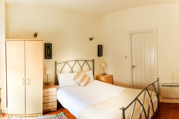 An image labelled 3 Bedroom - Sleeps 7 Apartment