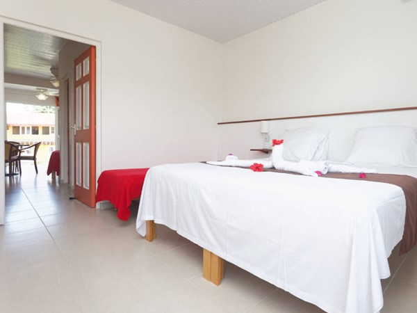 An image labelled Photo de toute la chambre