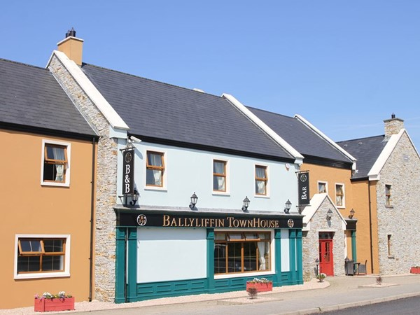 _gallery_ballyliffin-townhouse-2.jpg