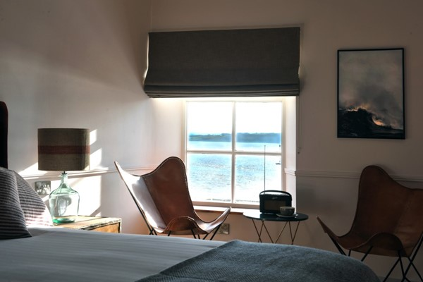 An image labelled Superior Seaview Room