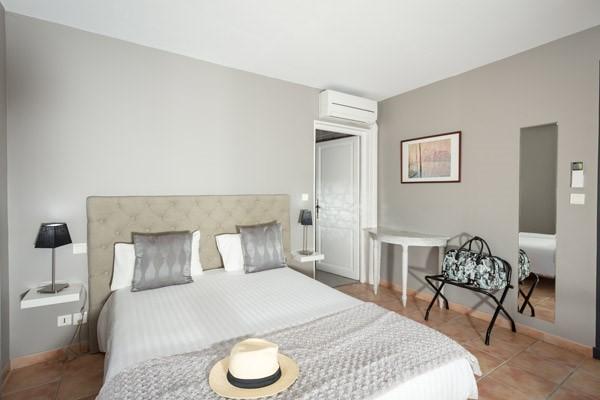 chambre avec terrasse ou balcon à Uzès