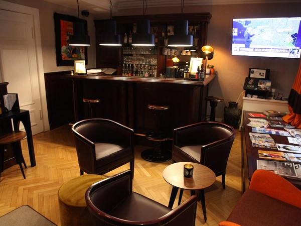 An image labelled Lounge or bar
