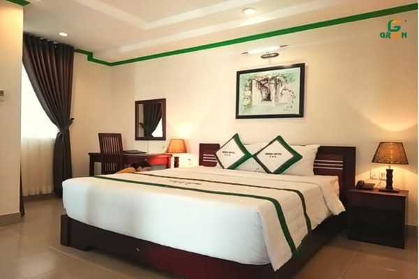 An image labelled Green Suite Room