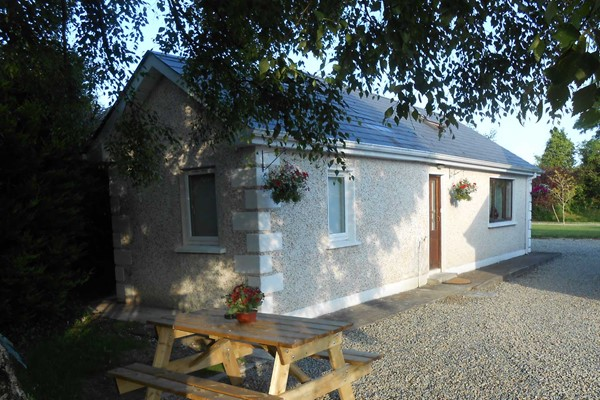 An image labelled Self Catering Cottage