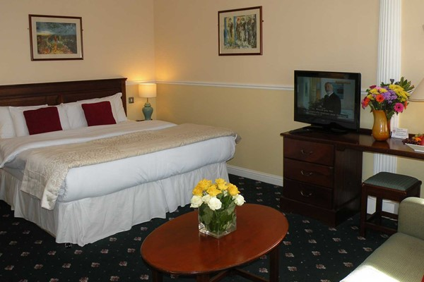 An image labelled Suite Room